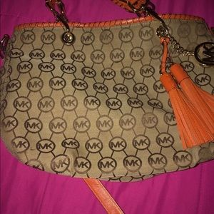 A Michael Kors purse in very good purse for work
